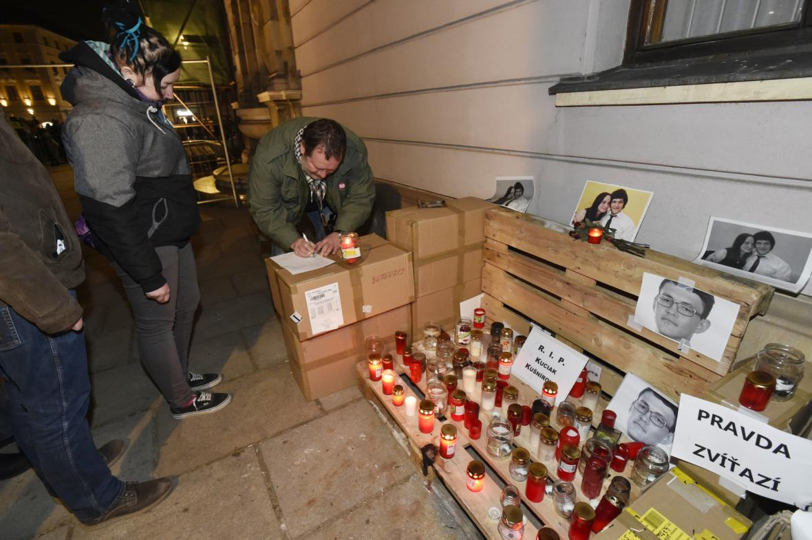 Petici proti Ondráčkovi v GIBS podepsaly tisíce lidí