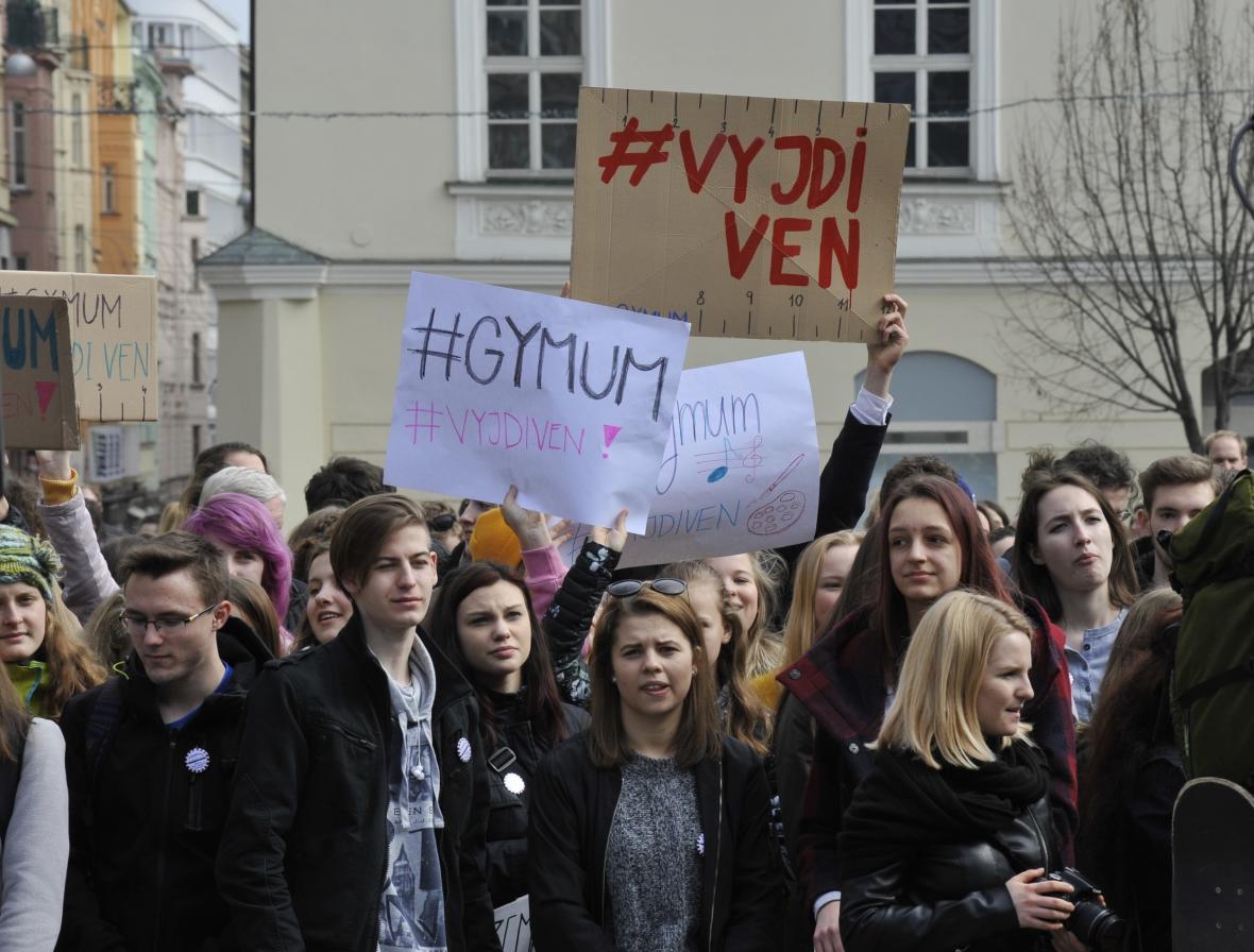Brněnští studenti na náměstí Svobody