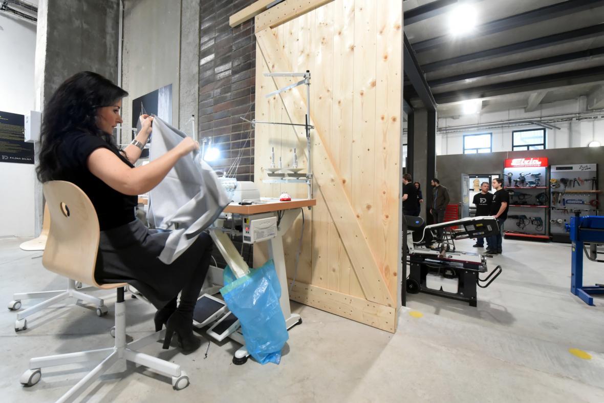 V ostravské Dolní oblasti Vítkovice byl 16. března 2018 rozšířen provoz řemeslné Fajne dilny
