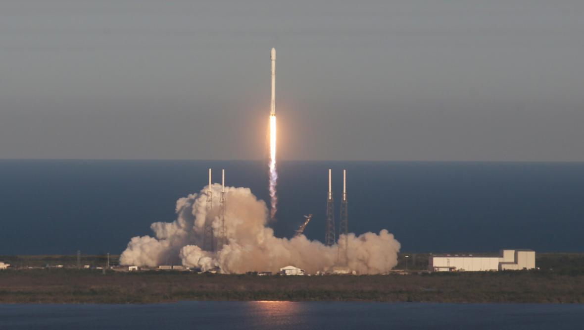 Start Falconu 9