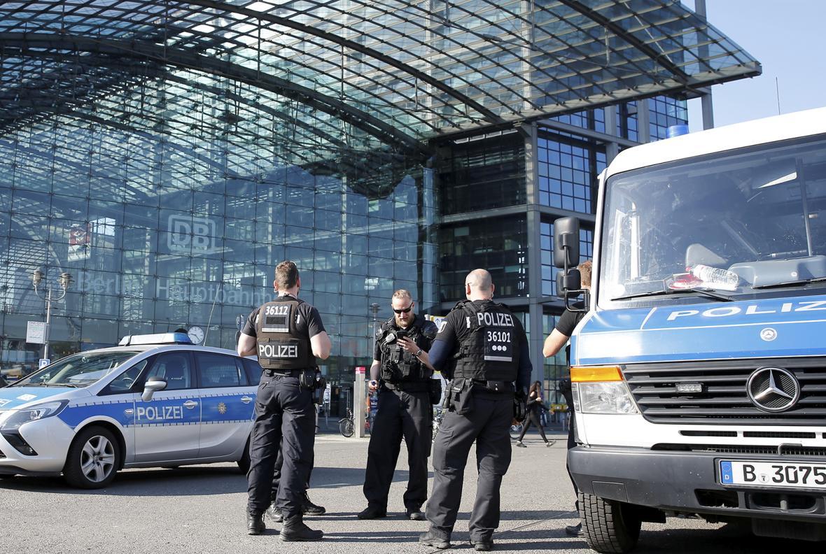 Evakuace Berlína kolem hlavního nádraží kvůli zneškodňování nevybuchlé pumy