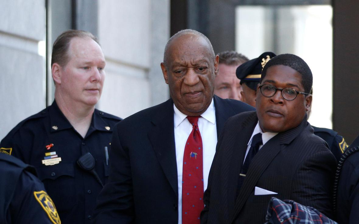 Cosby odchází od soudu