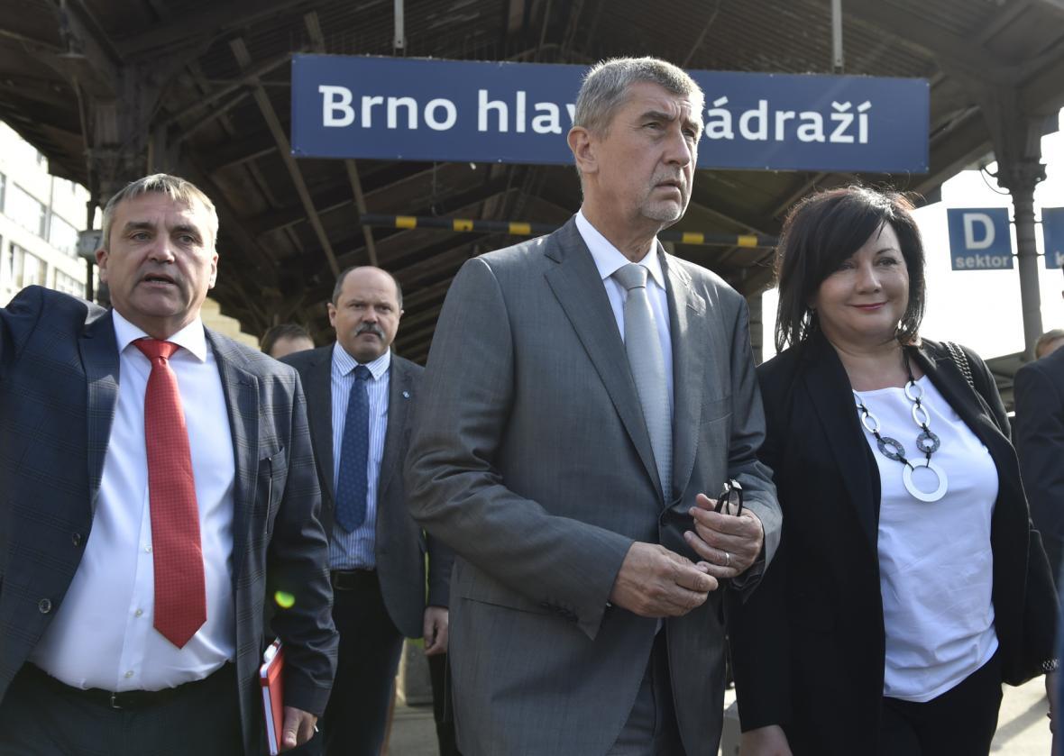 Vláda v demisi na návštěvě Jihomoravského kraje