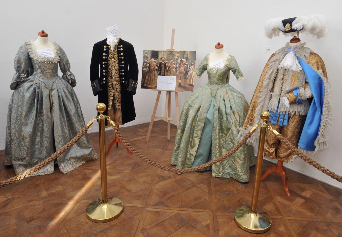 Výstava kostýmů z filmu Marie Terezie