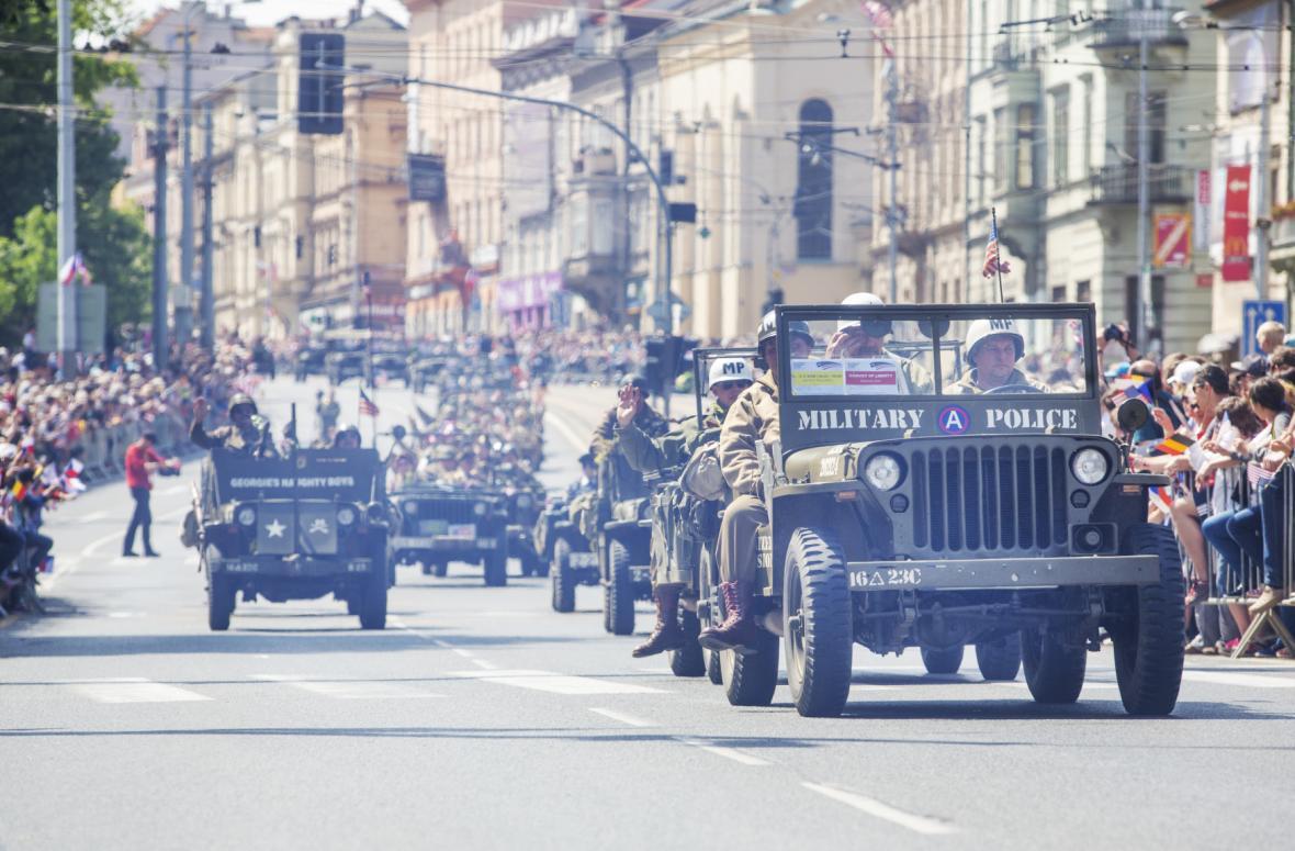 Konvoj svobody je tradiční součástí plzeňských Slavností svobody