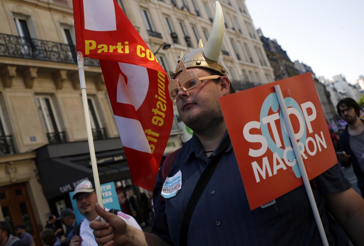 Protest proti politice Emanuela Macrona