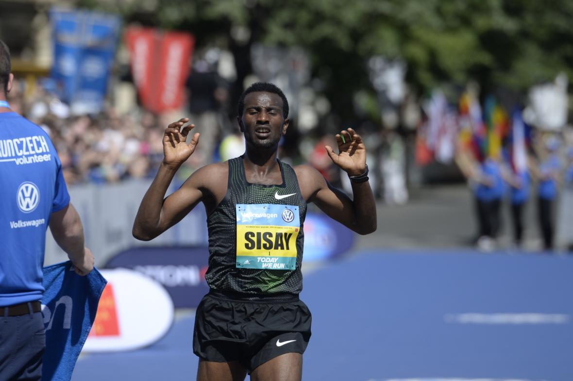 Etiopan Sisay Lemma doběhl jako druhý