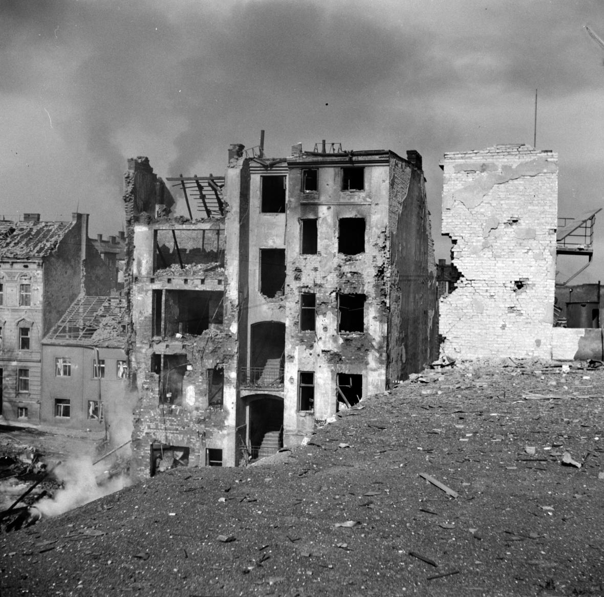Následky bombardování Plzně 14. května 1943