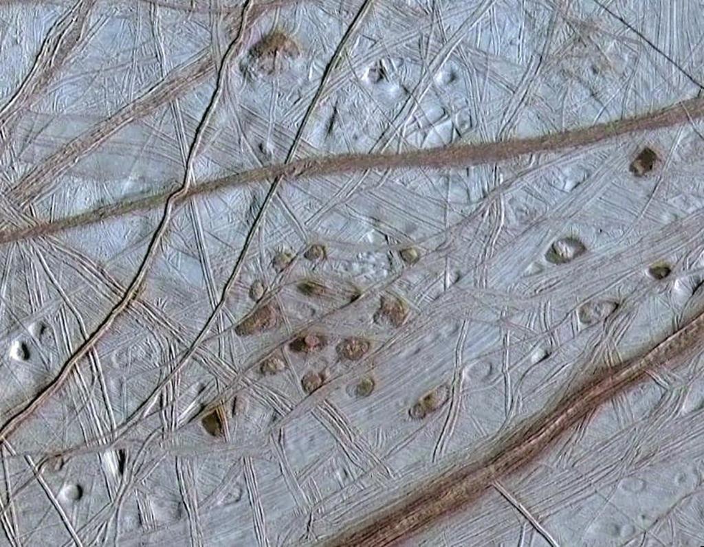 Měsíc Europa