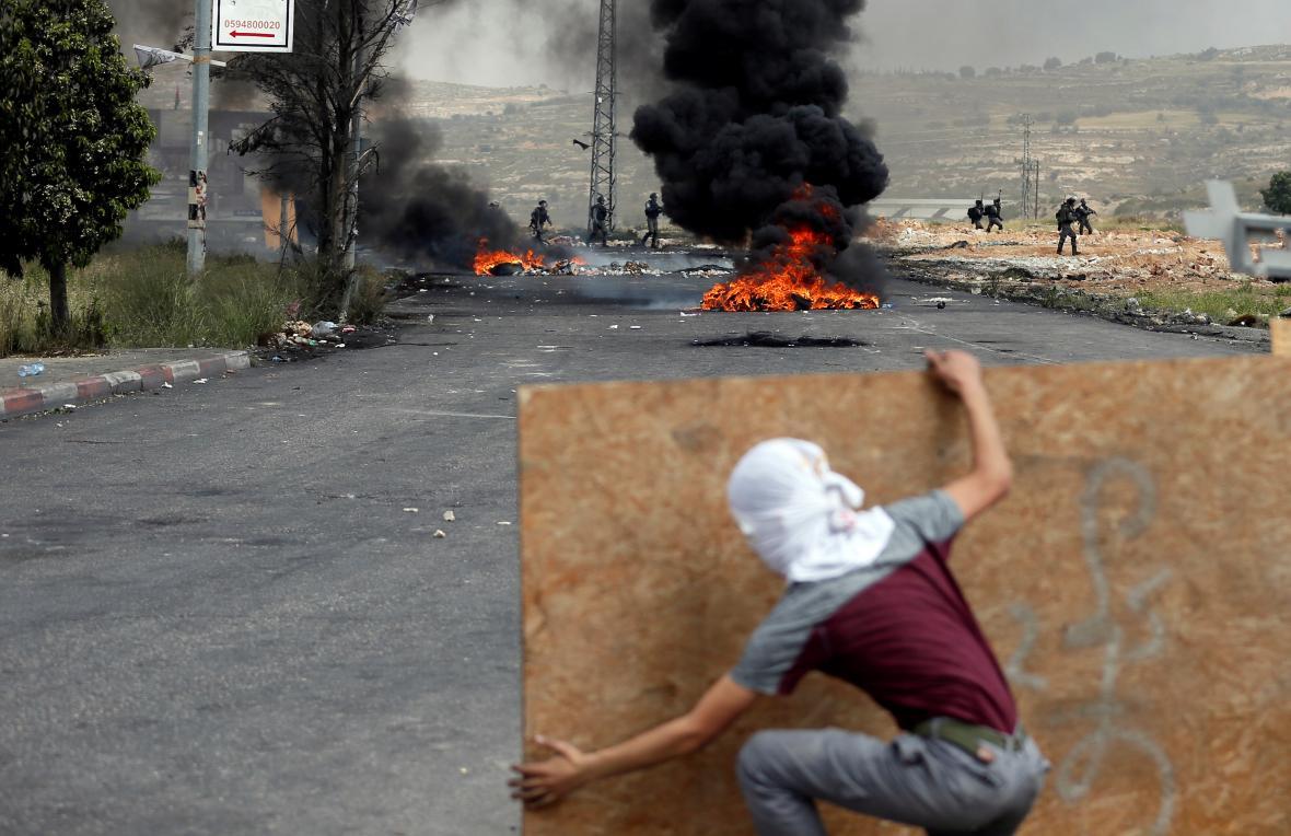 Palestinský mladík v den nakby