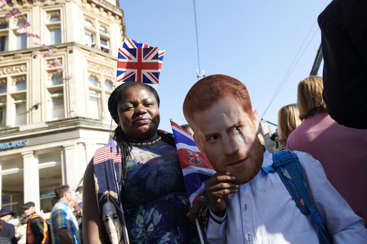 Britové na královské svatbě