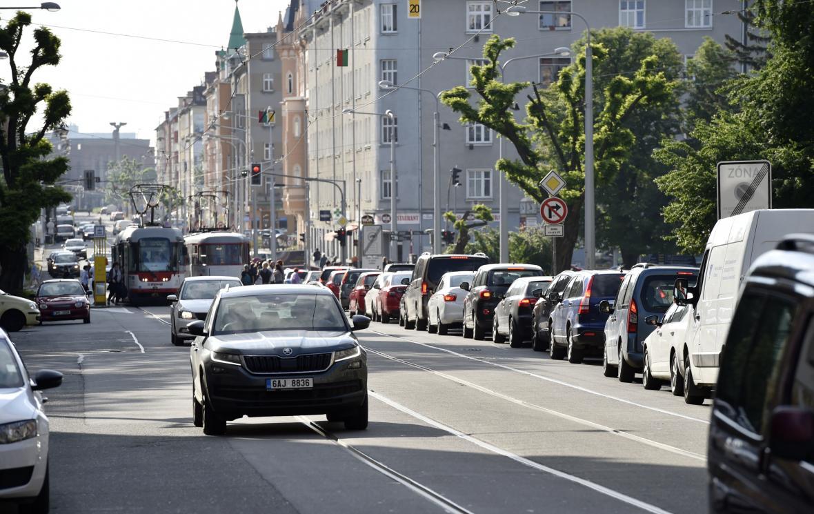 Silný automobilový provoz v centru Olomouce