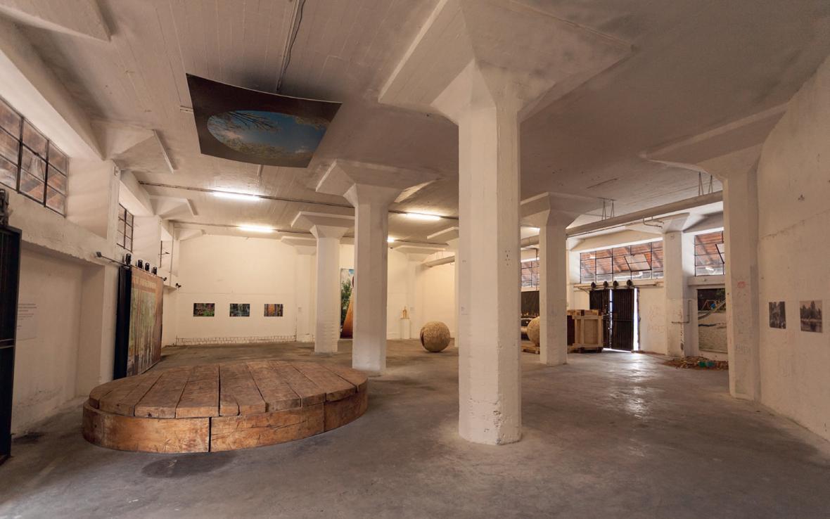 Z výstavy Architektura ve službách první republiky (Středočeský kraj a Praha)