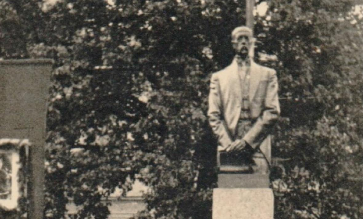 Dobové fotografie sochy T.G. Masaryka