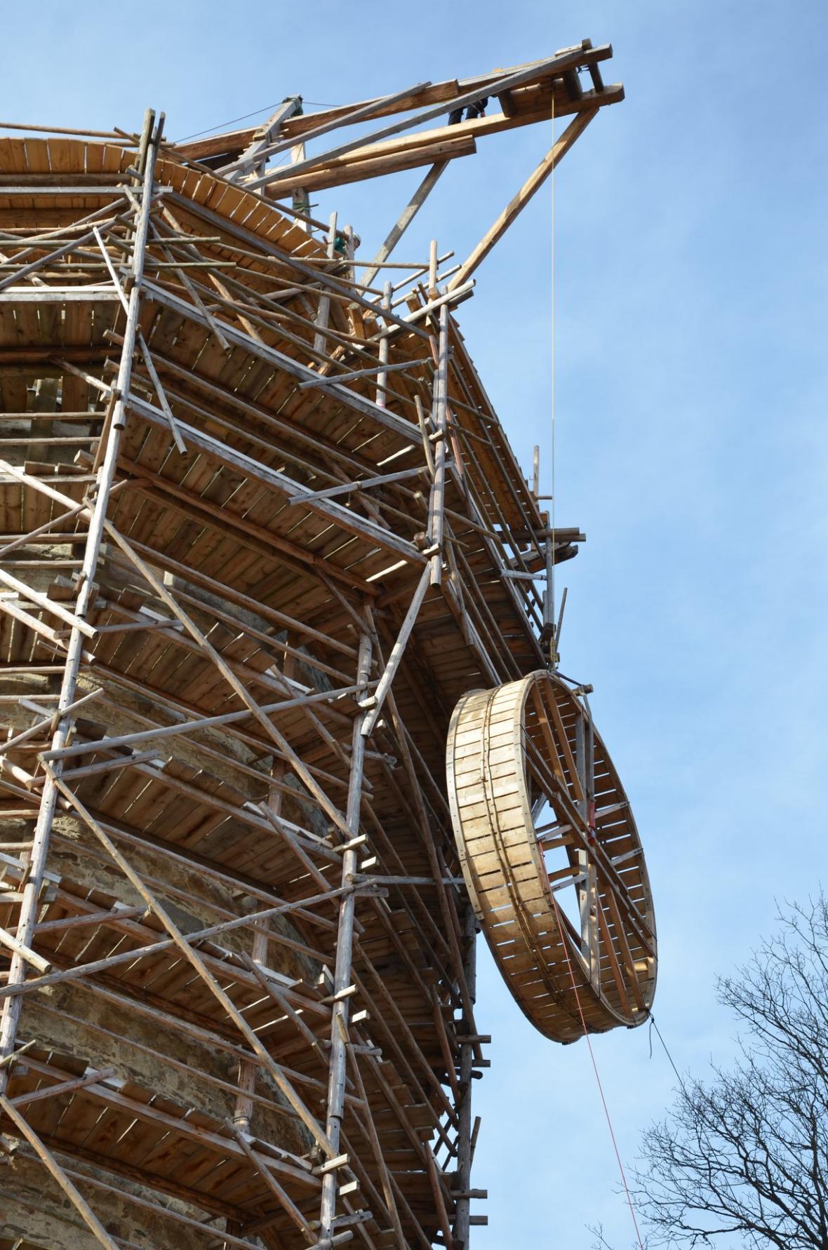 Oprava věže Jakobínka