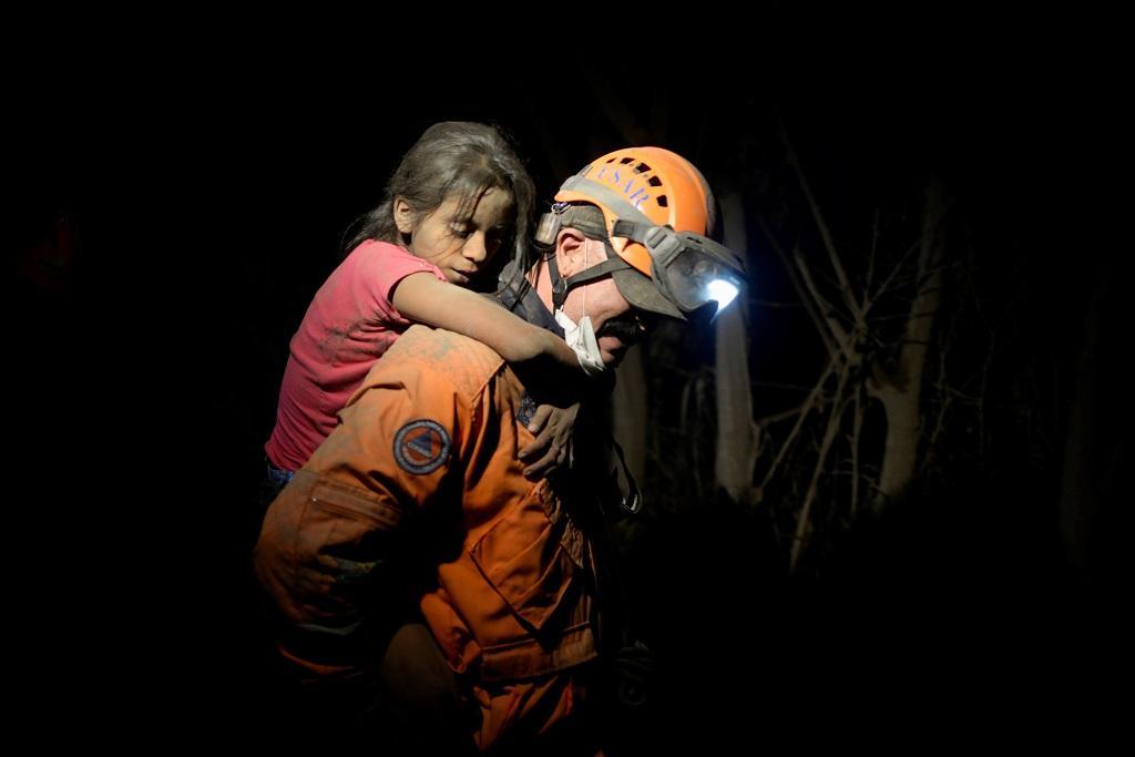 Největší výbuch sopky Volcán de Fuego v Guatemale od roku 1974