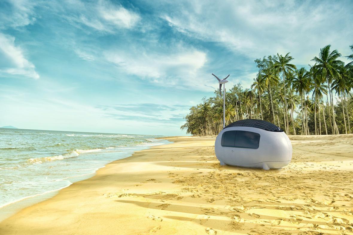 Energeticky soběstačný mobilní mikrodům Ecocapsule byl představen novinářům na tiskové konferenci 4. června na lodi Cargo Gallery na smíchovské náplavce v Praze.