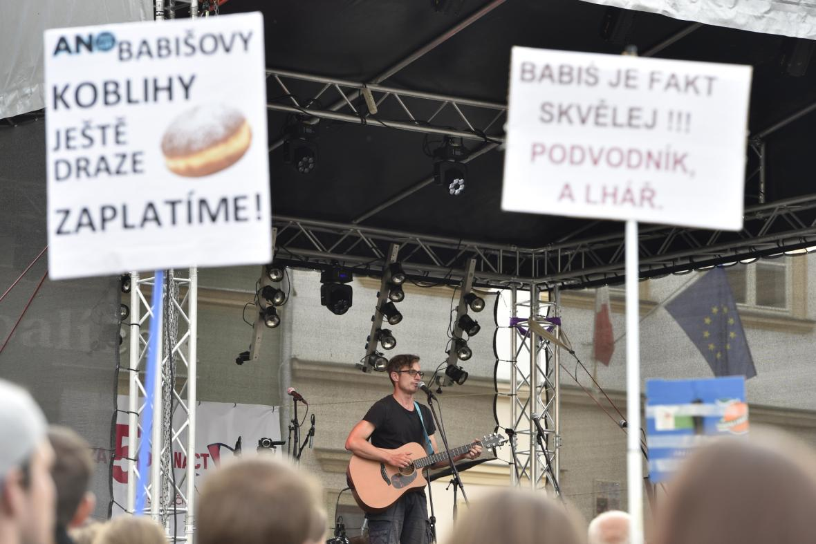 Demonstrace proti jmenování Andreje Babiše premiérem