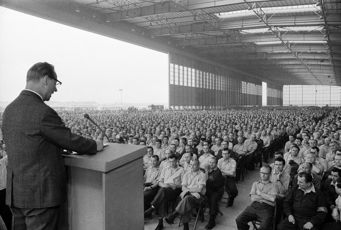 19.června 1968 svolal ÚV KSČ celostátní aktiv příslušníku Lidových milicí na letiště Praha-Ruzyně, kde hlavní referát přednesl první tajemník ÚV KSČ Alexander Dubček.