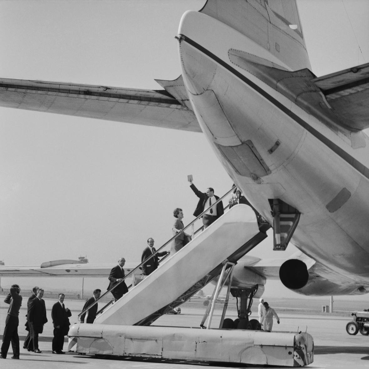 Mezinárodní přeprava Československých aerolinií směrem na západ byla opět zahájena 10. září.