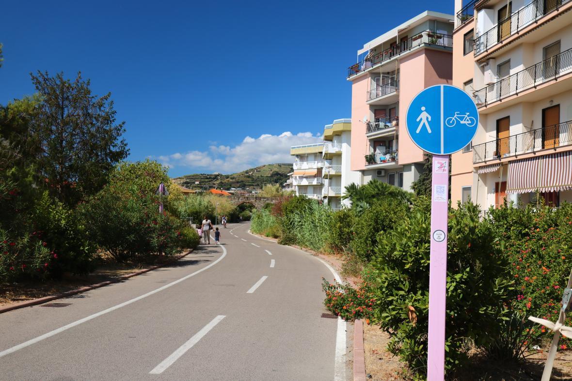 Na kole po výjimečné italské cyklostezce Pista Ciclabile del Ponente Ligure