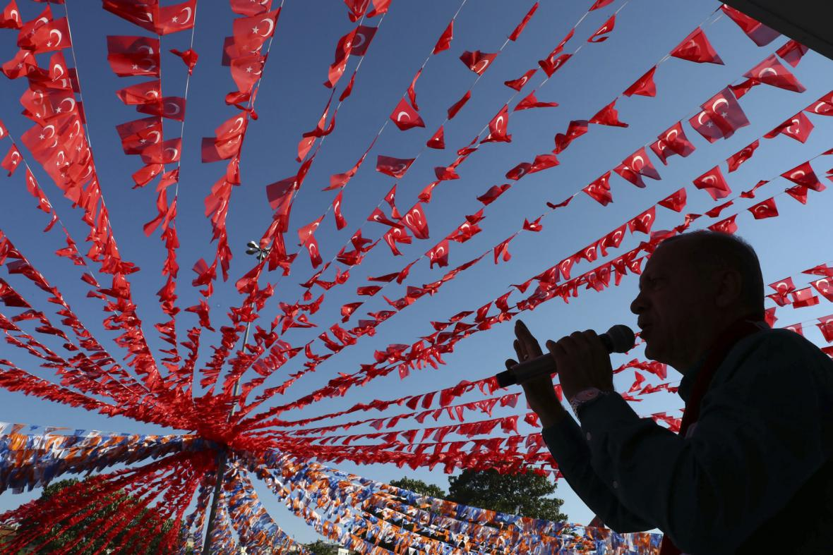 Turecko se chystá na volby. V zahraničí už se hlasuje