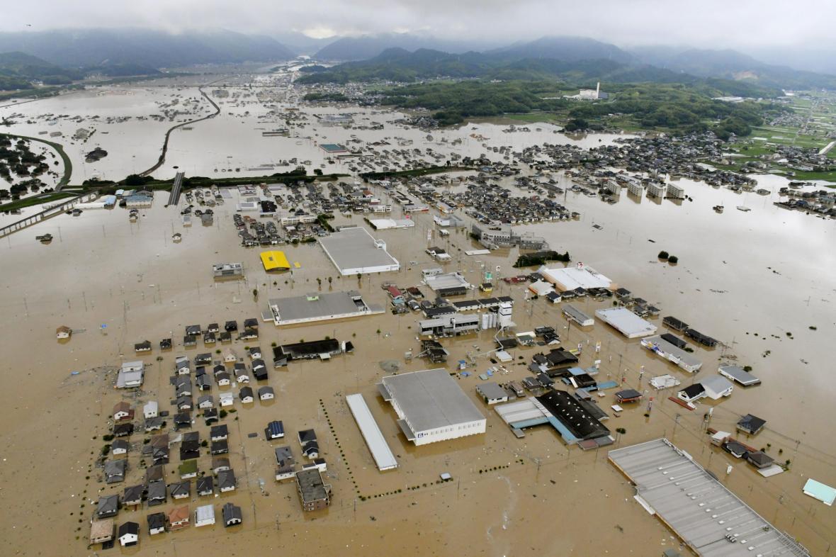 Japonsko zasáhly silné deště