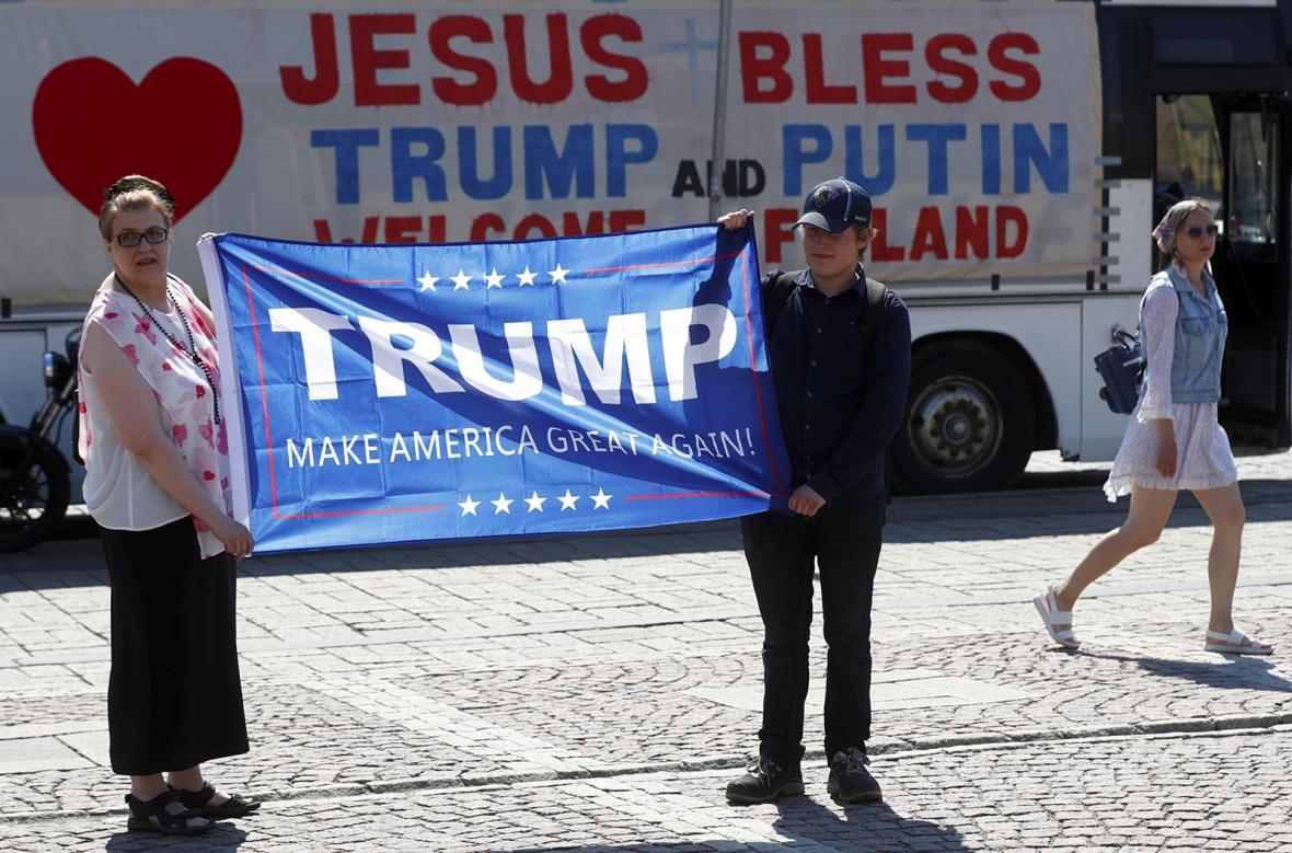 Trump a Putin na summitu ve Finsku