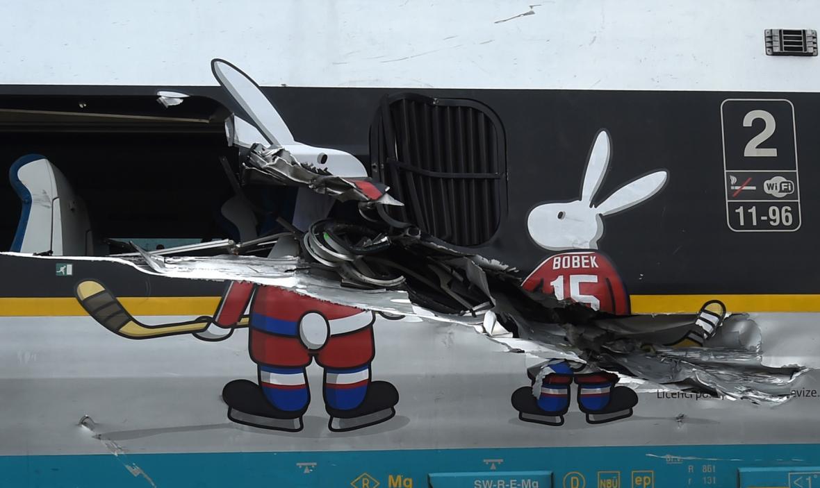 Srážka Pendolina s kamionem ve Studénce 22. 7. 2015
