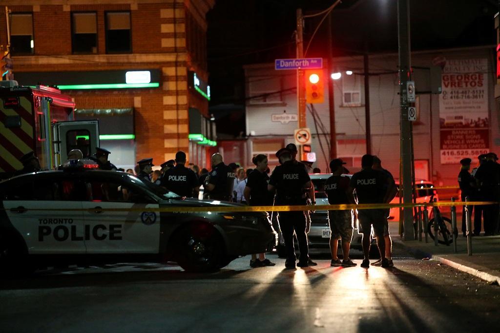 Policie na místě střelby.