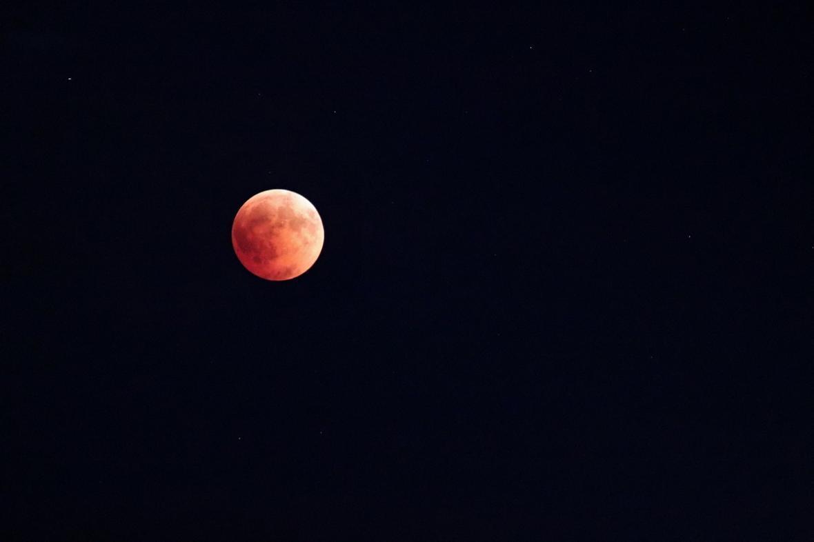 Zatmění Měsíce: fotografie od diváků ČT24