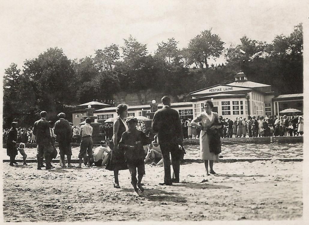Koupaliště Mšeno na dobových fotografiích