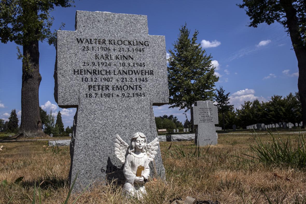 Válečné pohřebiště padlých německých vojáků v Chebu