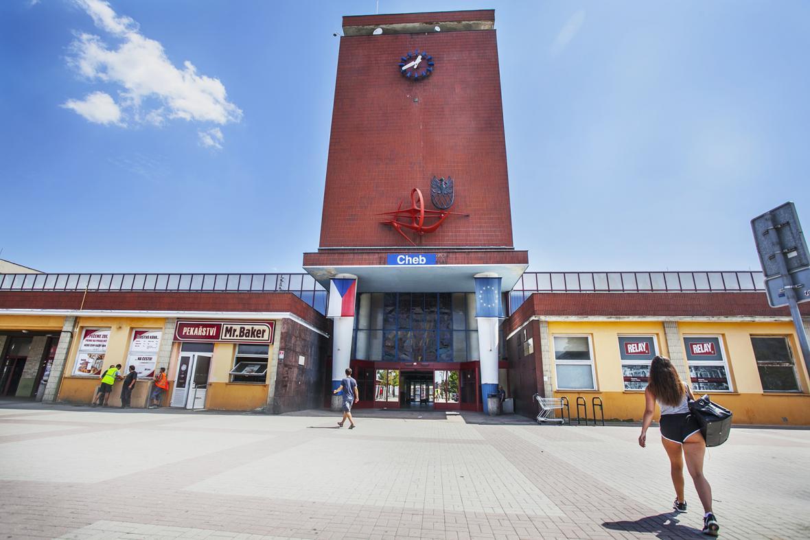 Budova vlakového nádraží v Chebu