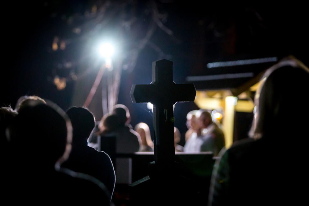 Půlnoční mše v místě kostela Božího Těla