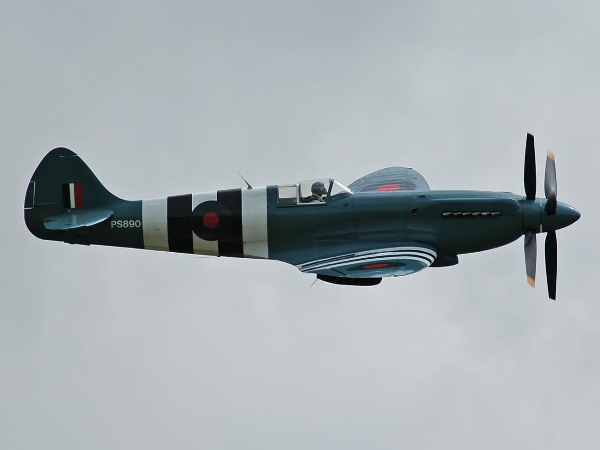 Spitfire - krásné letadlo i účinná zbraň RAF