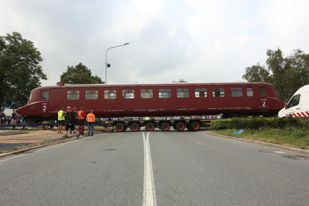 Technické muzeum Tatry v Kopřivnici na Novojičínsku sehnalo peníze na opravu železničního vozu Slovenská strela, který je od roku 2010 národní kulturní památkou.