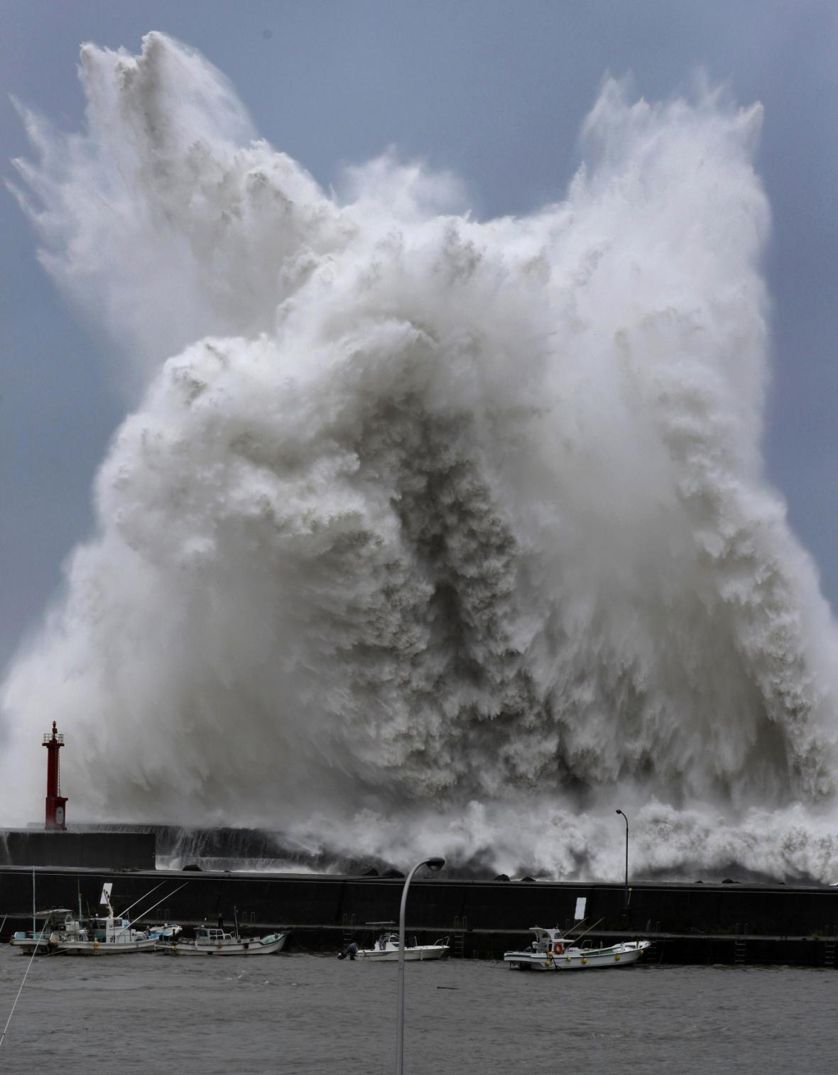 Tajfun Jebi v Japonsku