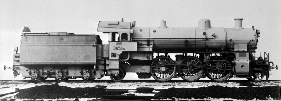 Lokomotiva řady 365.0 na dobovém snímku