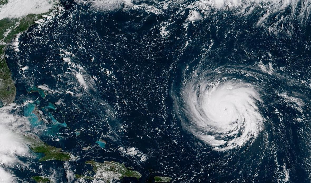 K jihovýchodnímu pobřeží USA míří nebezpečný hurikán Florence. Jeho síla se blíží k pátému stupni z pěti