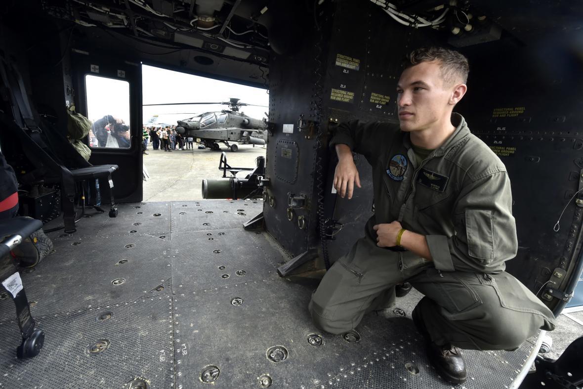 Interiér amerického víceúčelového vrtulníku UH-1Y Venom zvaného Yankee