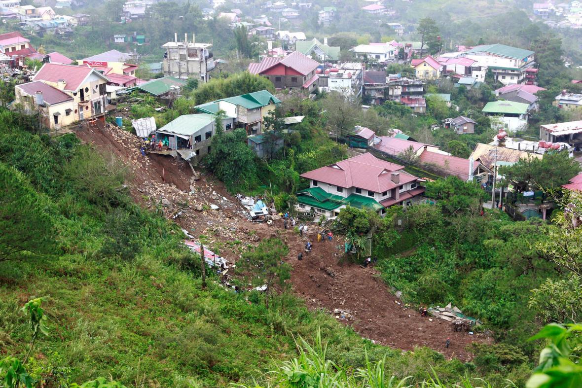 Filipínce sužují sesuvy půdy po tajfunu Mangkhut
