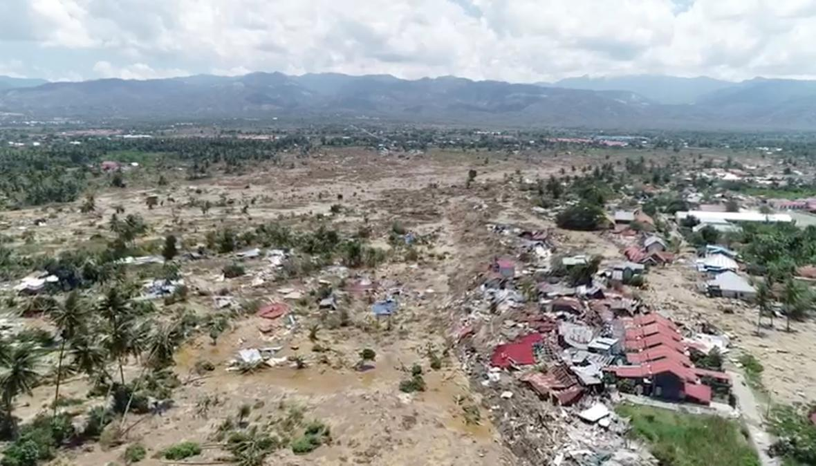 Následky zemětřesení a tsunami v Indonésii