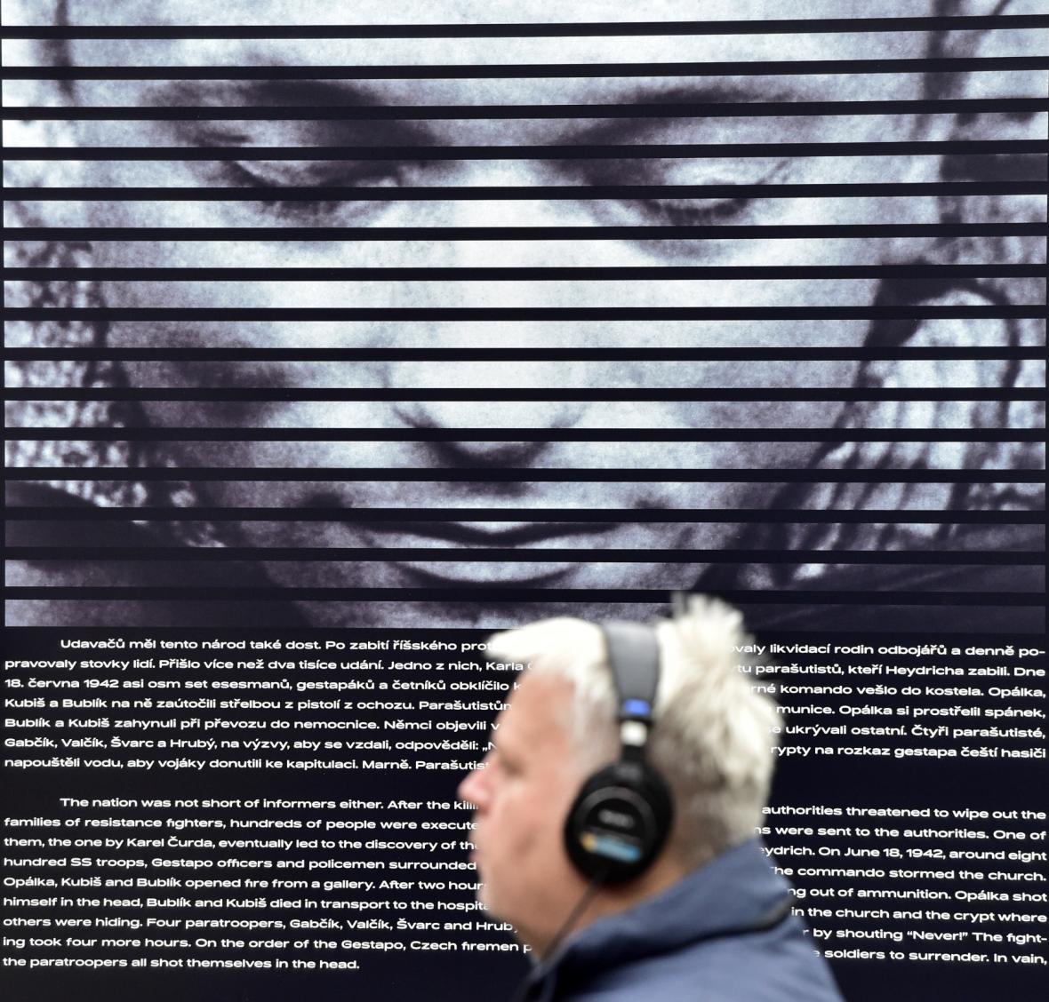 Audiovizuální expozice Paměť národa pod bývalým Stalinovým pomníkem na pražské Letné