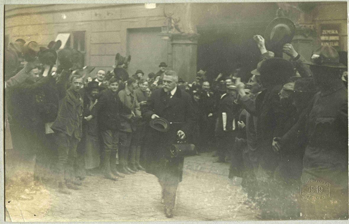 Vznik Ceskoslovenska a rok 1918 na fotografiích z Hradního archivu