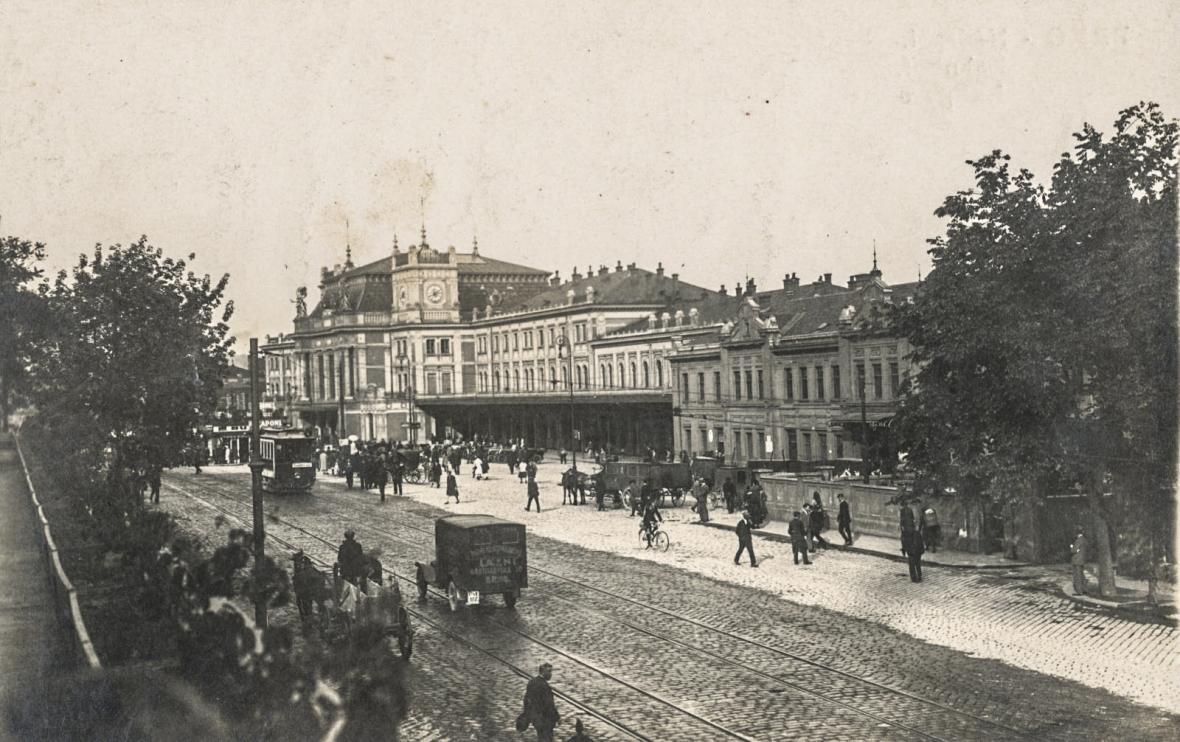 Hlavní nádraží v Brně na počátku 20. let 20. století a dnes