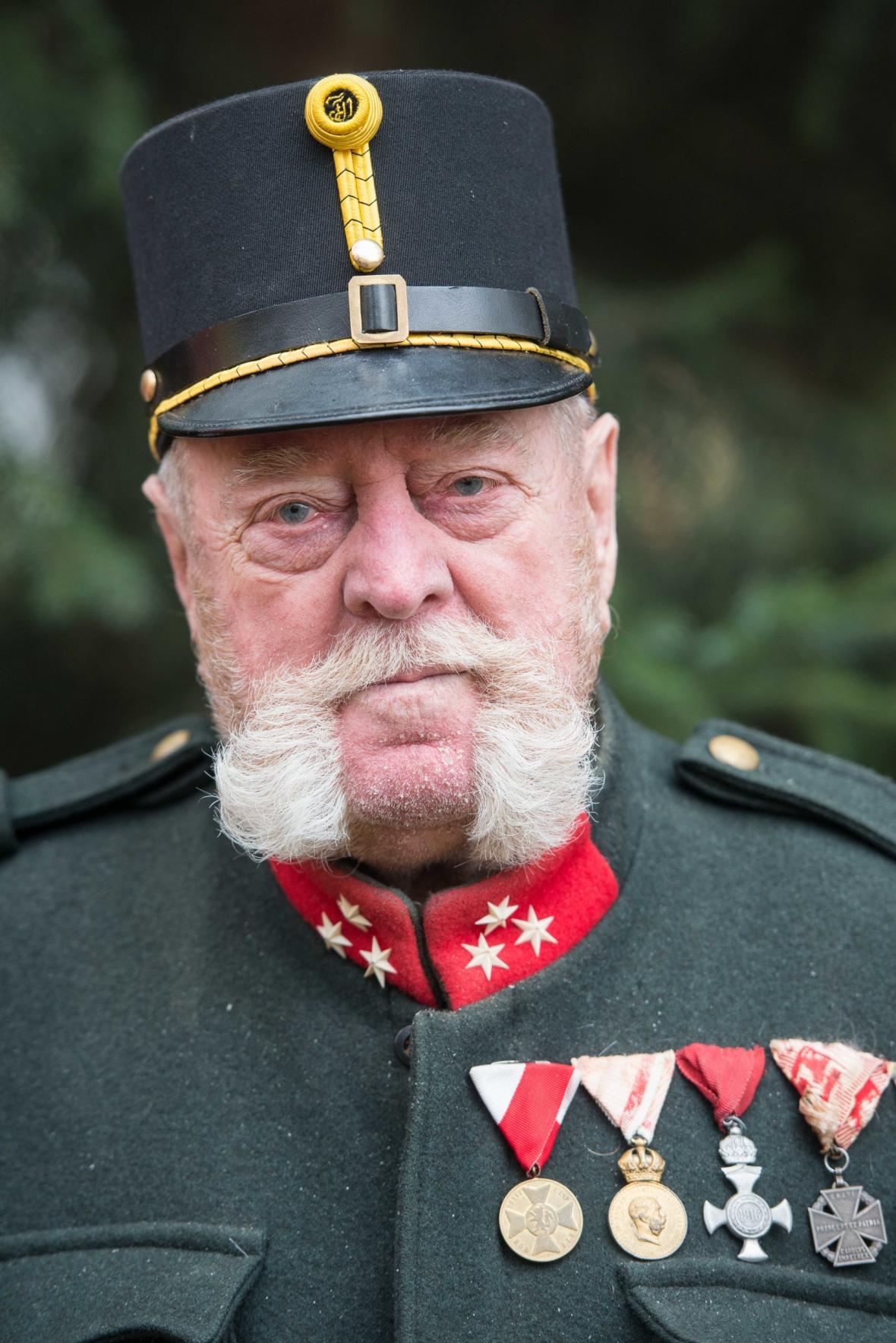 Herec představující císaře Františka Josefa I. byl mezi účastníky oslav ukončení války a výročí 100 let ČSR v Jablonci nad Nisou