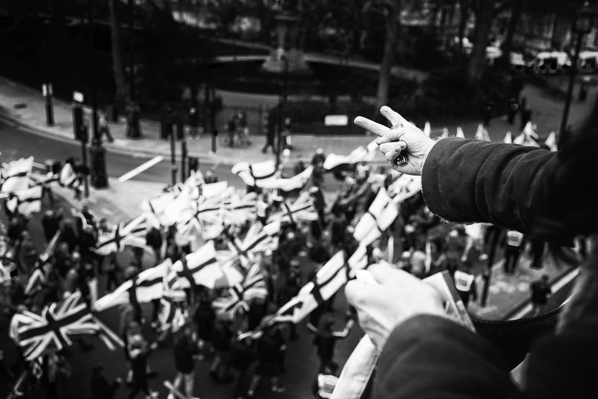 Nominace na vítěznou sérii Czech Press Photo 2018 (Problémy dnešní doby): Soubor z demonstrací v Británii s názvem Do ulic.