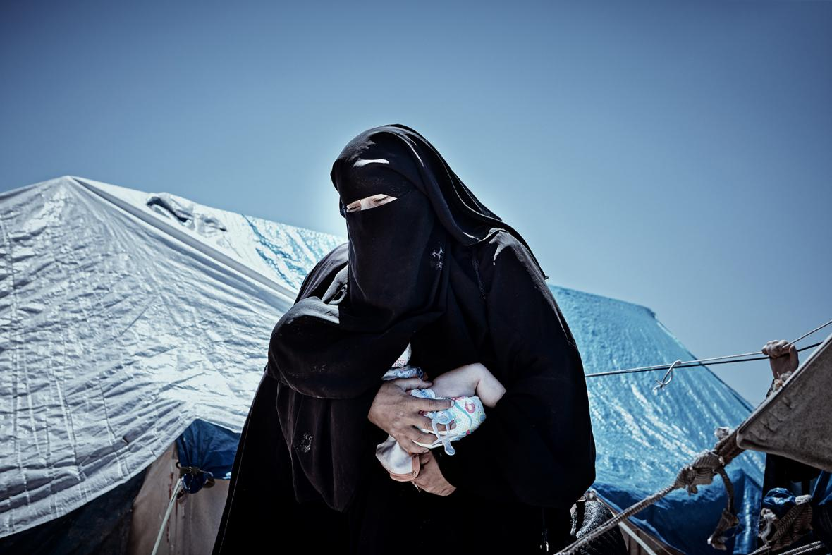 Nominace na vítěznou sérii Czech Press Photo 2018 (Problémy dnešní doby): Ženy islamistů z IS