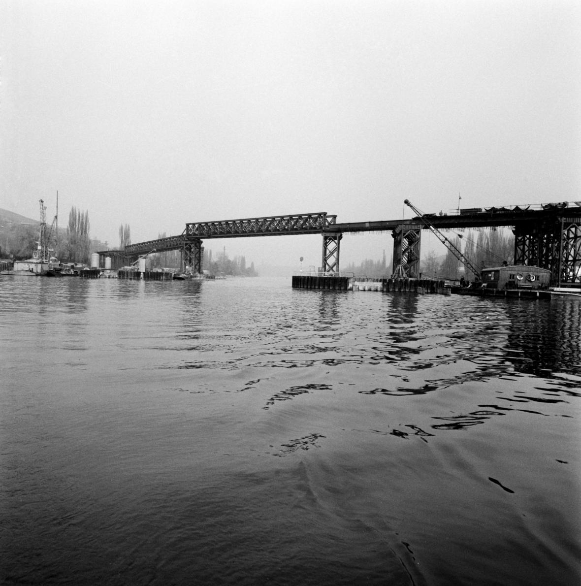 Barrandovský most